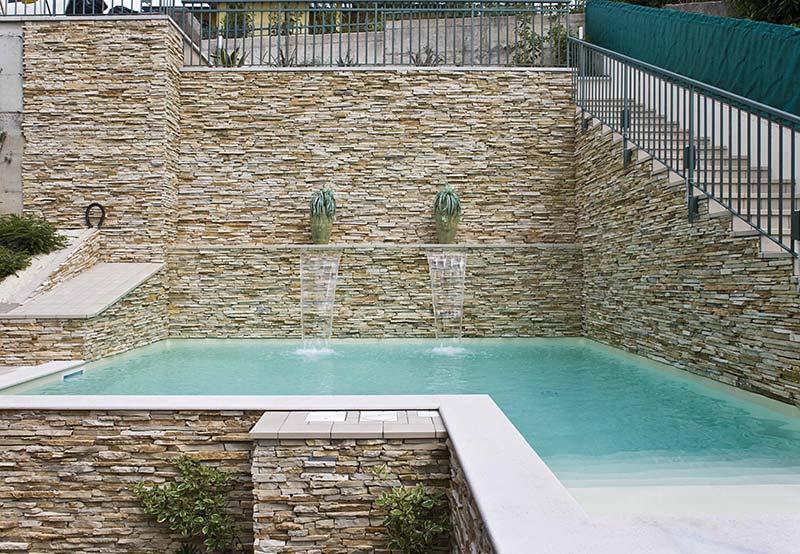 Piscina privata in pietra studio di progettazione caiola - Piscine in pietra ...