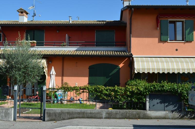 Villetta mansardata studio di progettazione caiola for Villette interni